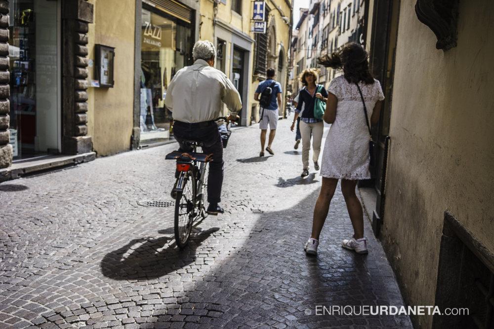Lucca_Italy_by-Enrique-Urdaneta-20170616-3.jpg