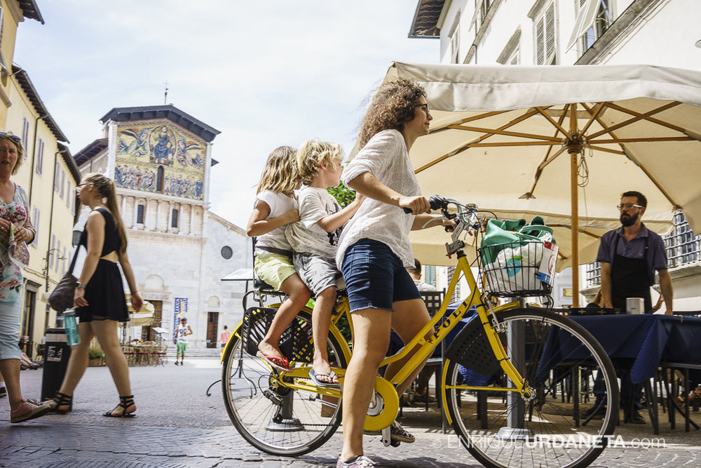 Lucca_Italy_by-Enrique-Urdaneta-20170616-4.jpg