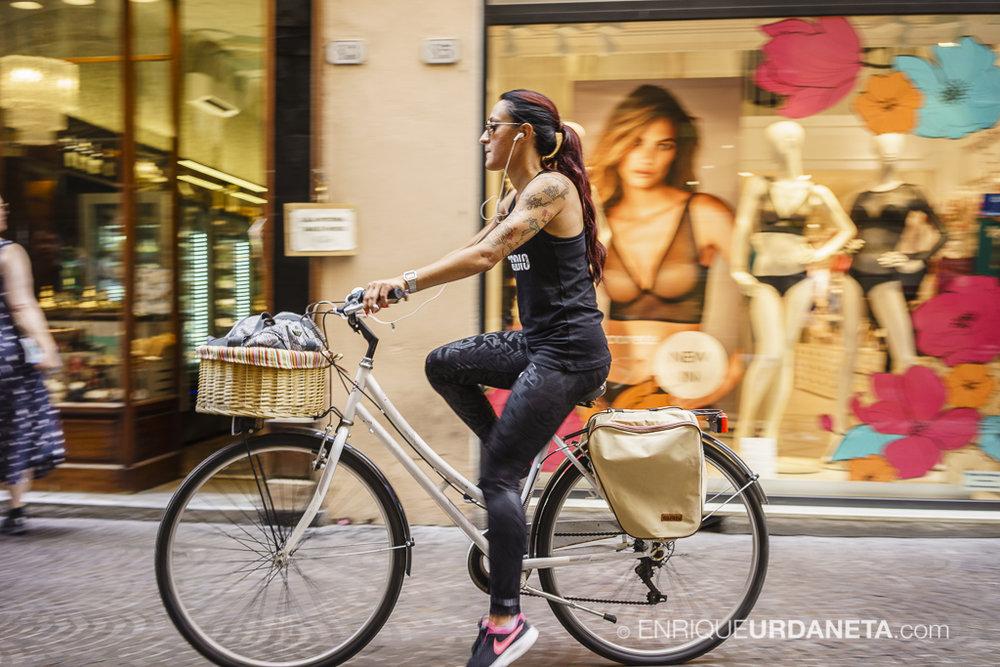 Lucca_Italy_by-Enrique-Urdaneta-20170616-9.jpg