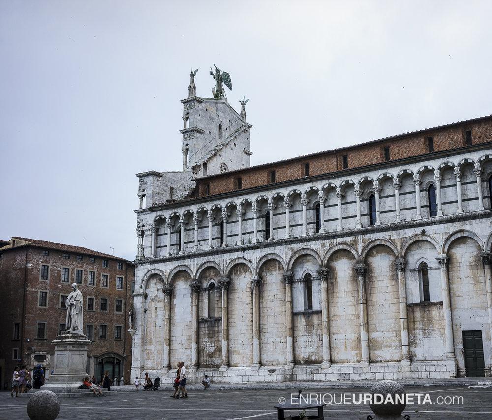 Lucca_Italy_by-Enrique-Urdaneta-20170616-13.jpg