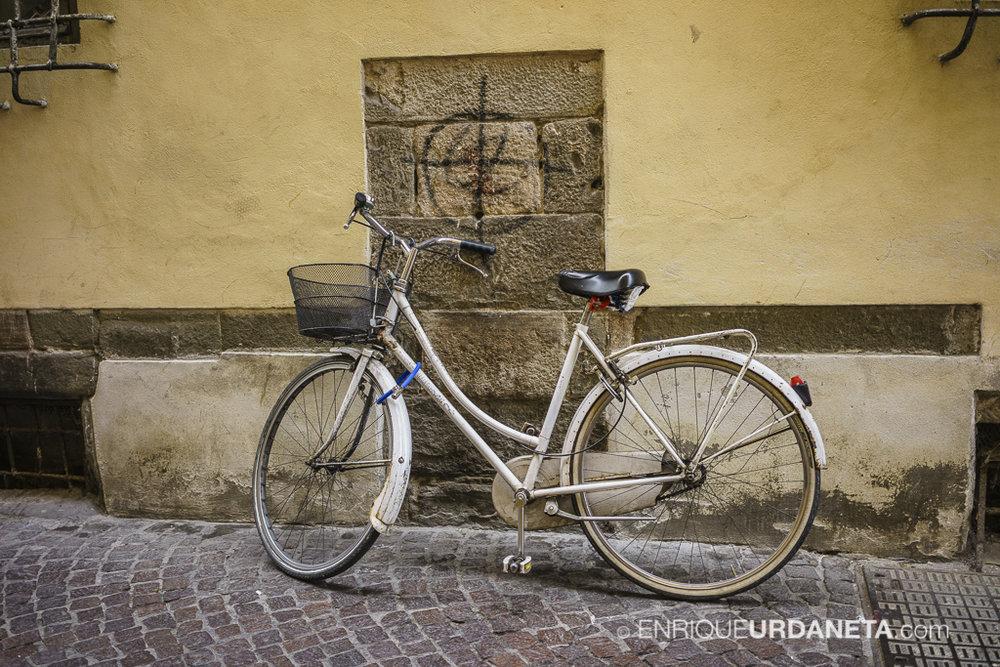 Lucca_Italy_by-Enrique-Urdaneta-20170616-16.jpg