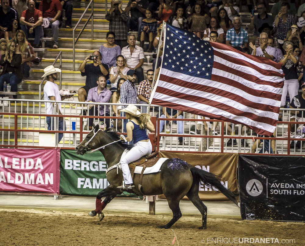 Rodeo_Davie_by_Enrique_Urdaneta_25.jpg