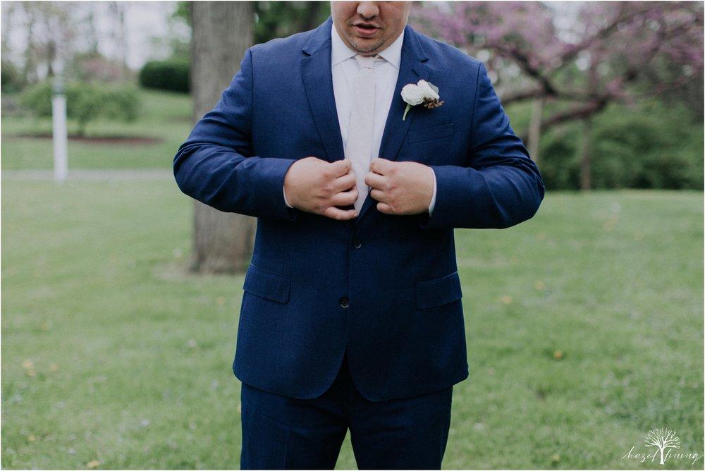 hazel-lining-travel-wedding-elopement-photography-abby-skyler-hunt-the-willis-house-york-pennsylvania-outdoor-estate-wedding_0016.jpg