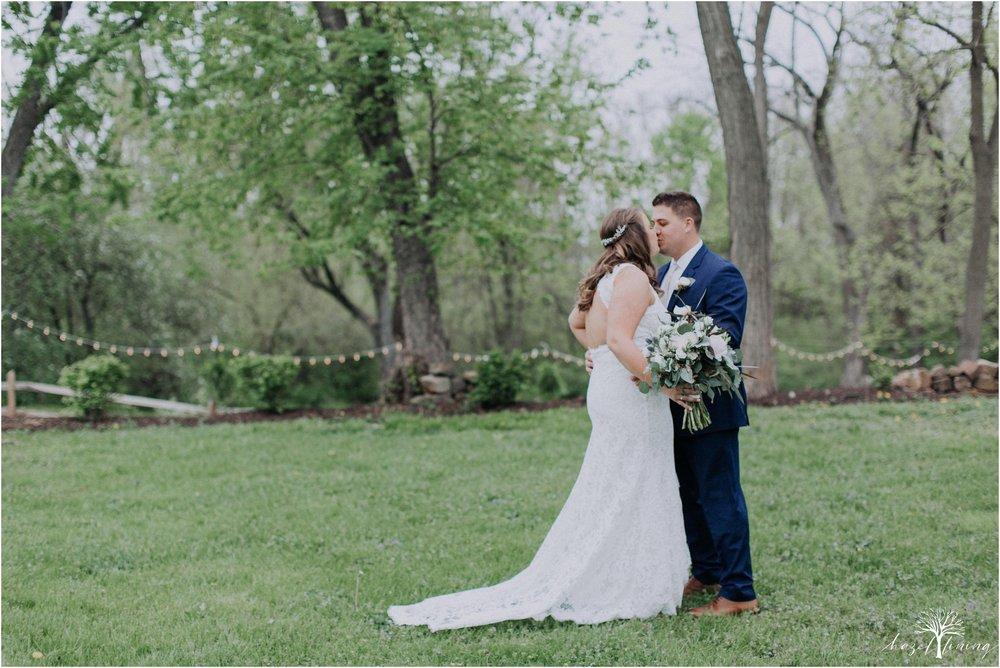 hazel-lining-travel-wedding-elopement-photography-abby-skyler-hunt-the-willis-house-york-pennsylvania-outdoor-estate-wedding_0022.jpg