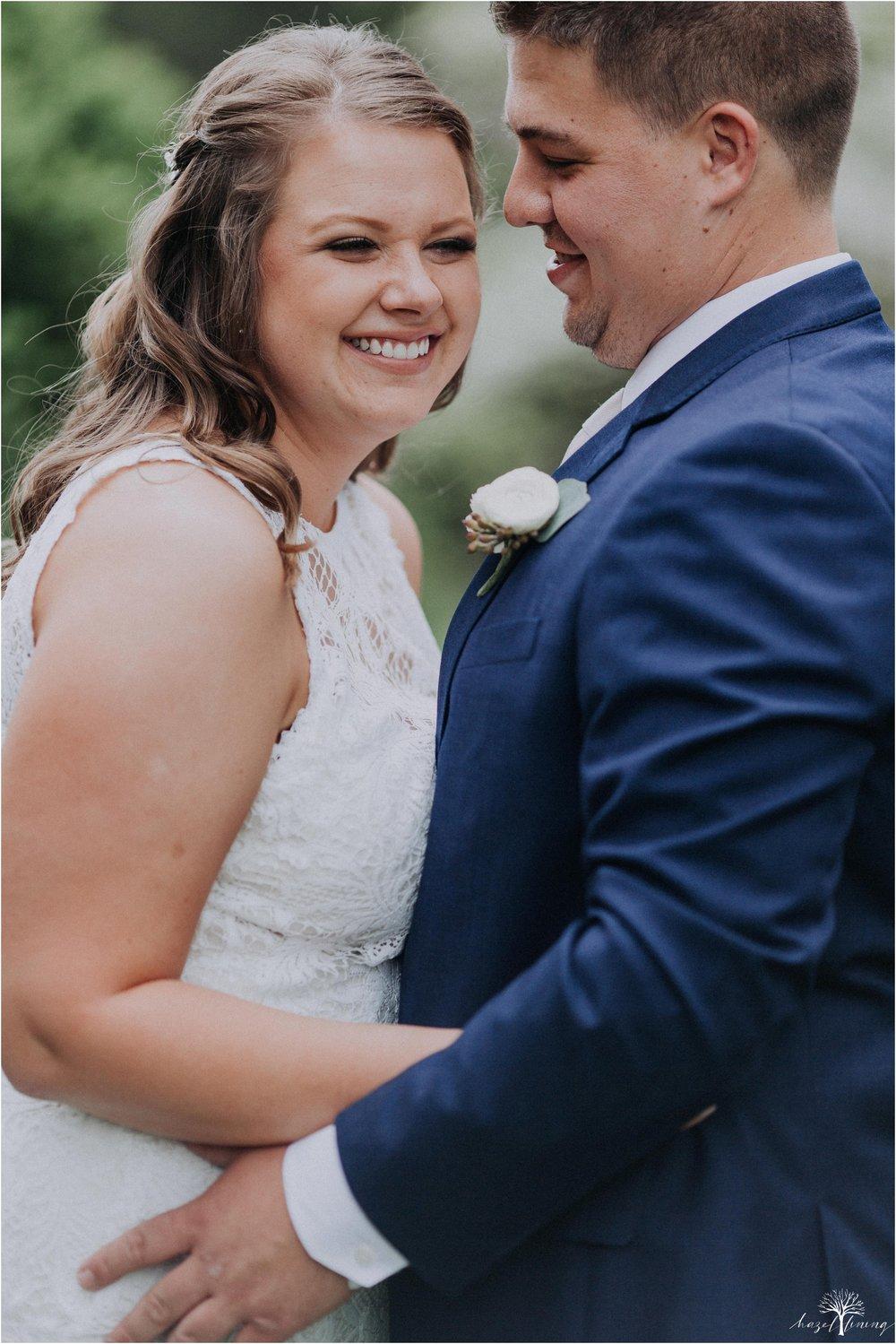 hazel-lining-travel-wedding-elopement-photography-abby-skyler-hunt-the-willis-house-york-pennsylvania-outdoor-estate-wedding_0039.jpg