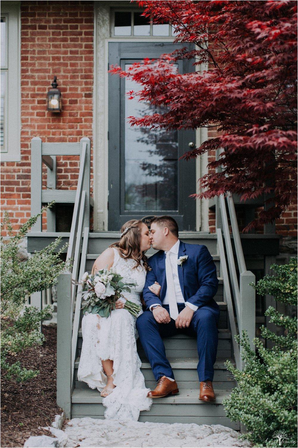hazel-lining-travel-wedding-elopement-photography-abby-skyler-hunt-the-willis-house-york-pennsylvania-outdoor-estate-wedding_0040.jpg