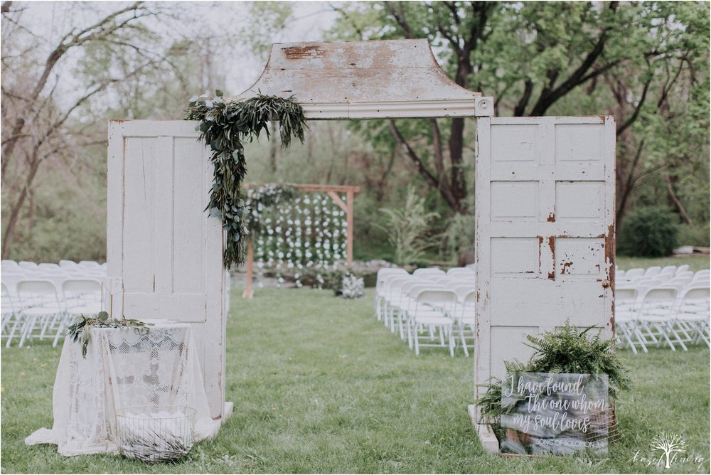 hazel-lining-travel-wedding-elopement-photography-abby-skyler-hunt-the-willis-house-york-pennsylvania-outdoor-estate-wedding_0069.jpg