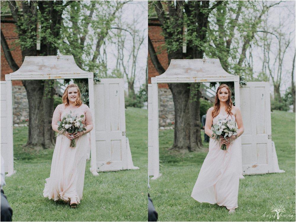 hazel-lining-travel-wedding-elopement-photography-abby-skyler-hunt-the-willis-house-york-pennsylvania-outdoor-estate-wedding_0073.jpg