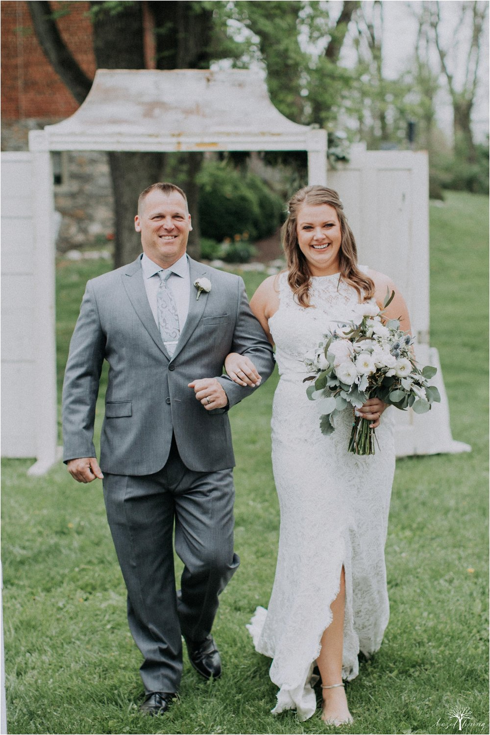 hazel-lining-travel-wedding-elopement-photography-abby-skyler-hunt-the-willis-house-york-pennsylvania-outdoor-estate-wedding_0080.jpg