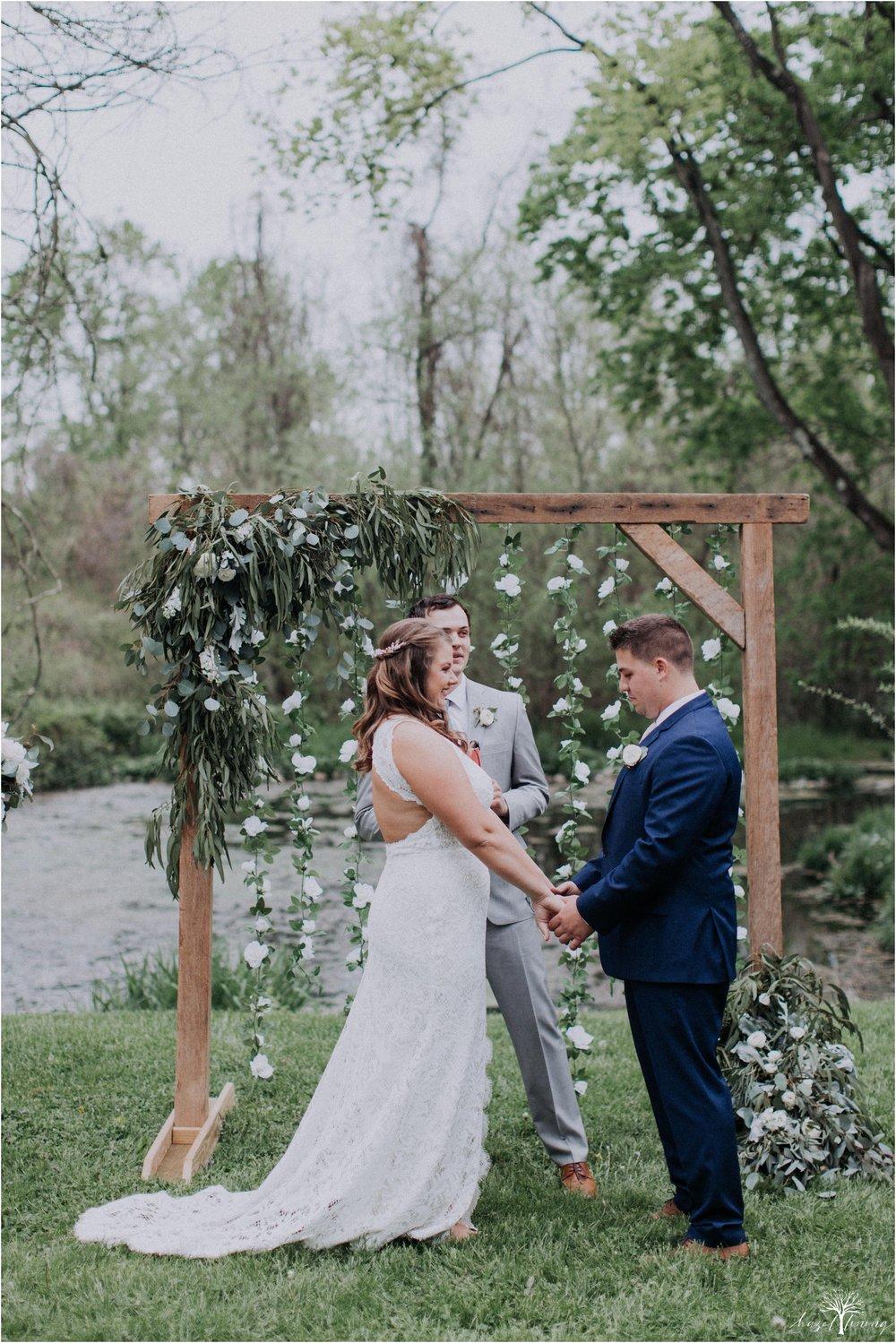 hazel-lining-travel-wedding-elopement-photography-abby-skyler-hunt-the-willis-house-york-pennsylvania-outdoor-estate-wedding_0082.jpg
