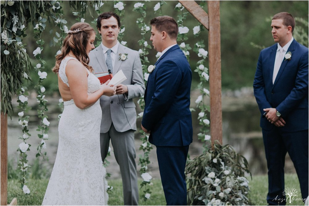hazel-lining-travel-wedding-elopement-photography-abby-skyler-hunt-the-willis-house-york-pennsylvania-outdoor-estate-wedding_0091.jpg