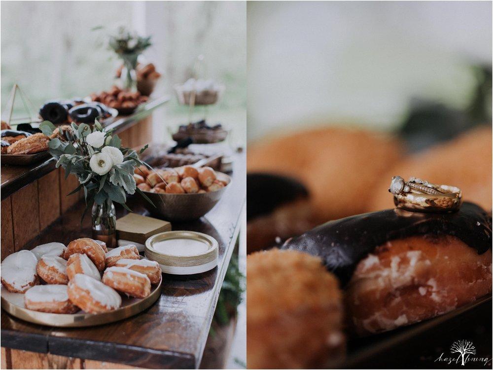 hazel-lining-travel-wedding-elopement-photography-abby-skyler-hunt-the-willis-house-york-pennsylvania-outdoor-estate-wedding_0101.jpg