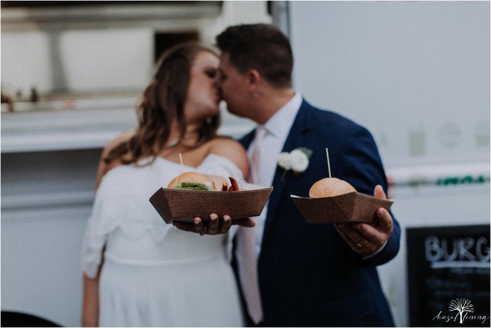 hazel-lining-travel-wedding-elopement-photography-abby-skyler-hunt-the-willis-house-york-pennsylvania-outdoor-estate-wedding_0141.jpg