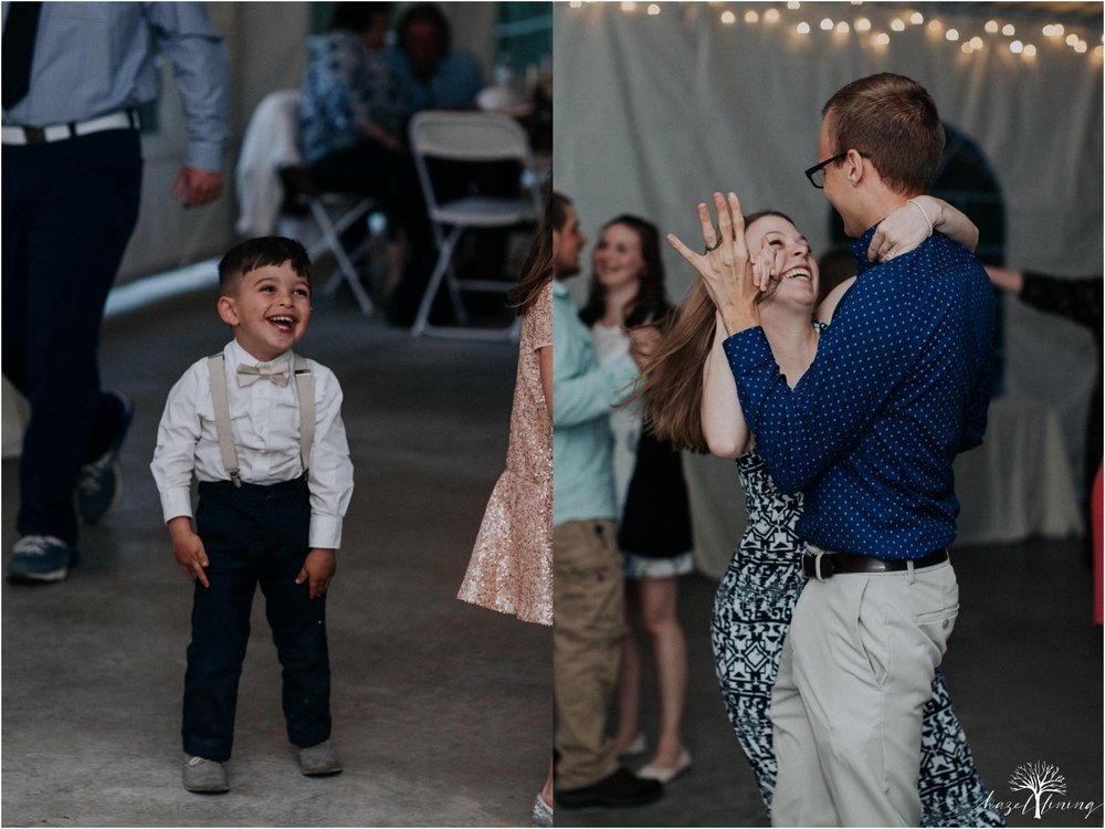 hazel-lining-travel-wedding-elopement-photography-abby-skyler-hunt-the-willis-house-york-pennsylvania-outdoor-estate-wedding_0147.jpg