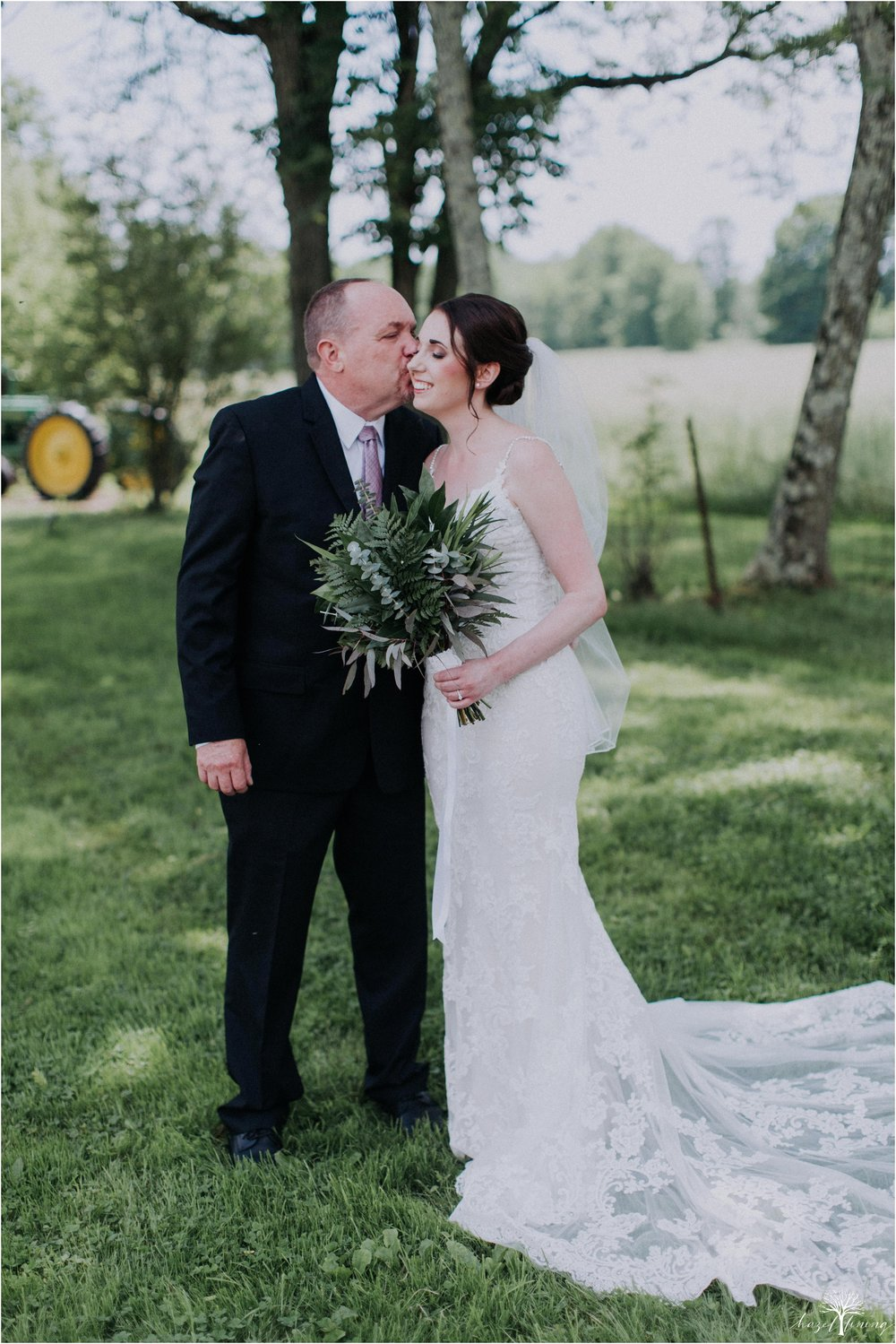 hazel-lining-travel-wedding-elopement-photography-lisa-landon-shoemaker-the-farm-bakery-and-events-bucks-county-quakertown-pennsylvania-summer-country-outdoor-farm-wedding_0023.jpg