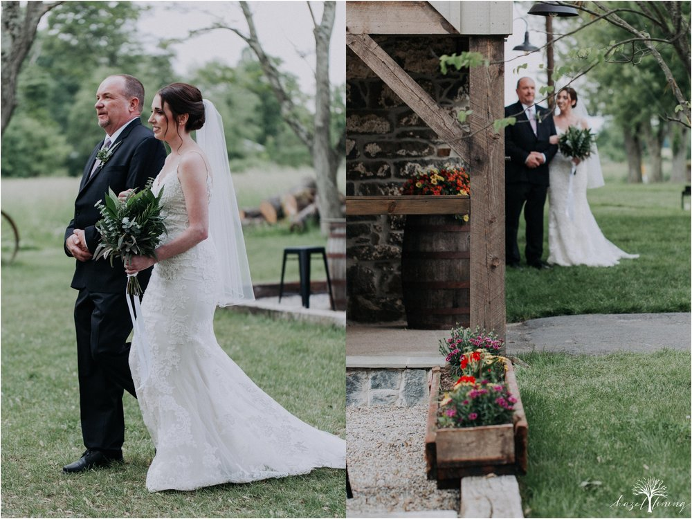 hazel-lining-travel-wedding-elopement-photography-lisa-landon-shoemaker-the-farm-bakery-and-events-bucks-county-quakertown-pennsylvania-summer-country-outdoor-farm-wedding_0051.jpg