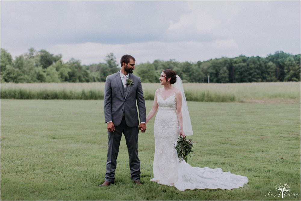 hazel-lining-travel-wedding-elopement-photography-lisa-landon-shoemaker-the-farm-bakery-and-events-bucks-county-quakertown-pennsylvania-summer-country-outdoor-farm-wedding_0087.jpg