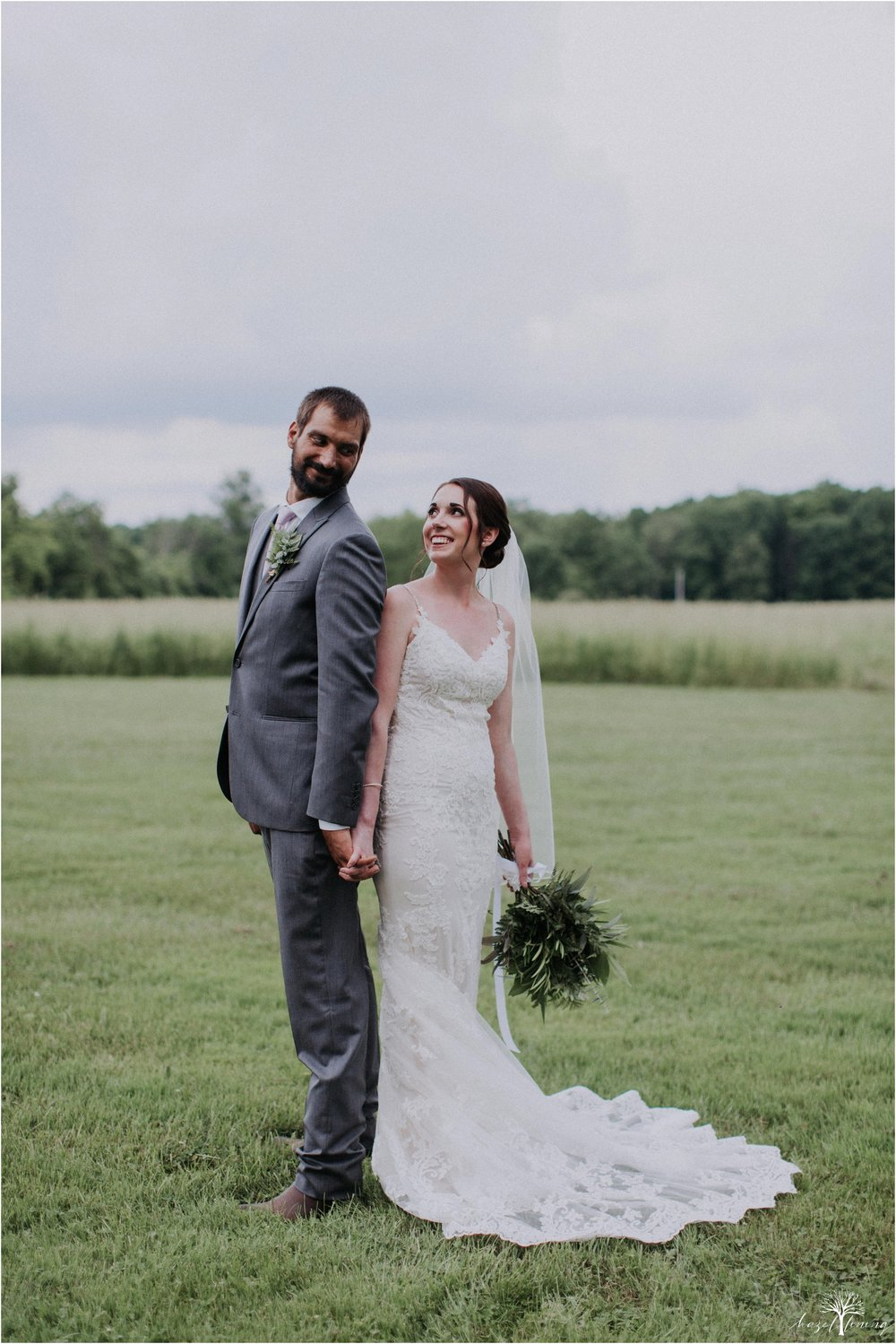 hazel-lining-travel-wedding-elopement-photography-lisa-landon-shoemaker-the-farm-bakery-and-events-bucks-county-quakertown-pennsylvania-summer-country-outdoor-farm-wedding_0090.jpg