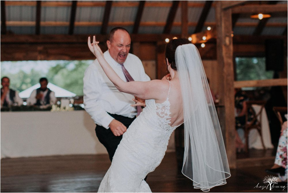 hazel-lining-travel-wedding-elopement-photography-lisa-landon-shoemaker-the-farm-bakery-and-events-bucks-county-quakertown-pennsylvania-summer-country-outdoor-farm-wedding_0131.jpg