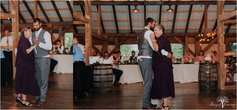 hazel-lining-travel-wedding-elopement-photography-lisa-landon-shoemaker-the-farm-bakery-and-events-bucks-county-quakertown-pennsylvania-summer-country-outdoor-farm-wedding_0134.jpg