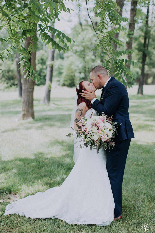 alyssa-james-stiteler-wedding-loft-and-sweet-water-cc-pennsburg-pennsylvania-hazel-lining-travel-wedding-elopement-photography_0034.jpg