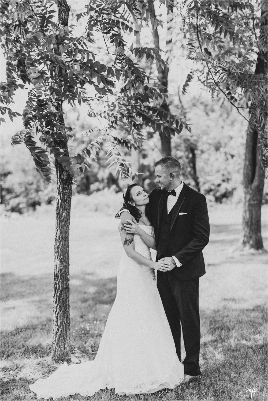 alyssa-james-stiteler-wedding-loft-and-sweet-water-cc-pennsburg-pennsylvania-hazel-lining-travel-wedding-elopement-photography_0039.jpg