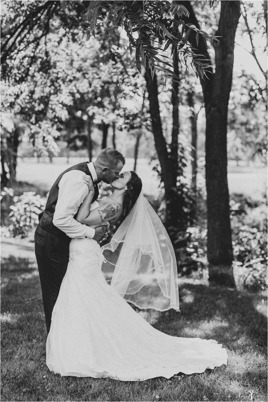 alyssa-james-stiteler-wedding-loft-and-sweet-water-cc-pennsburg-pennsylvania-hazel-lining-travel-wedding-elopement-photography_0085.jpg