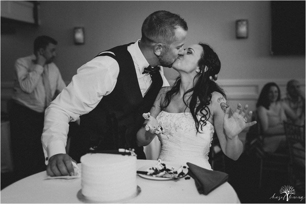 alyssa-james-stiteler-wedding-loft-and-sweet-water-cc-pennsburg-pennsylvania-hazel-lining-travel-wedding-elopement-photography_0146.jpg