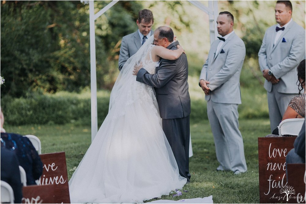 cassie-depinto-tyler-bodder-playwicki-farm-buck-hotel-featserville-trevose-pennsylvania-summer-outdoor-wedding-hazel-lining-travel-wedding-elopement-photography_0208.jpg