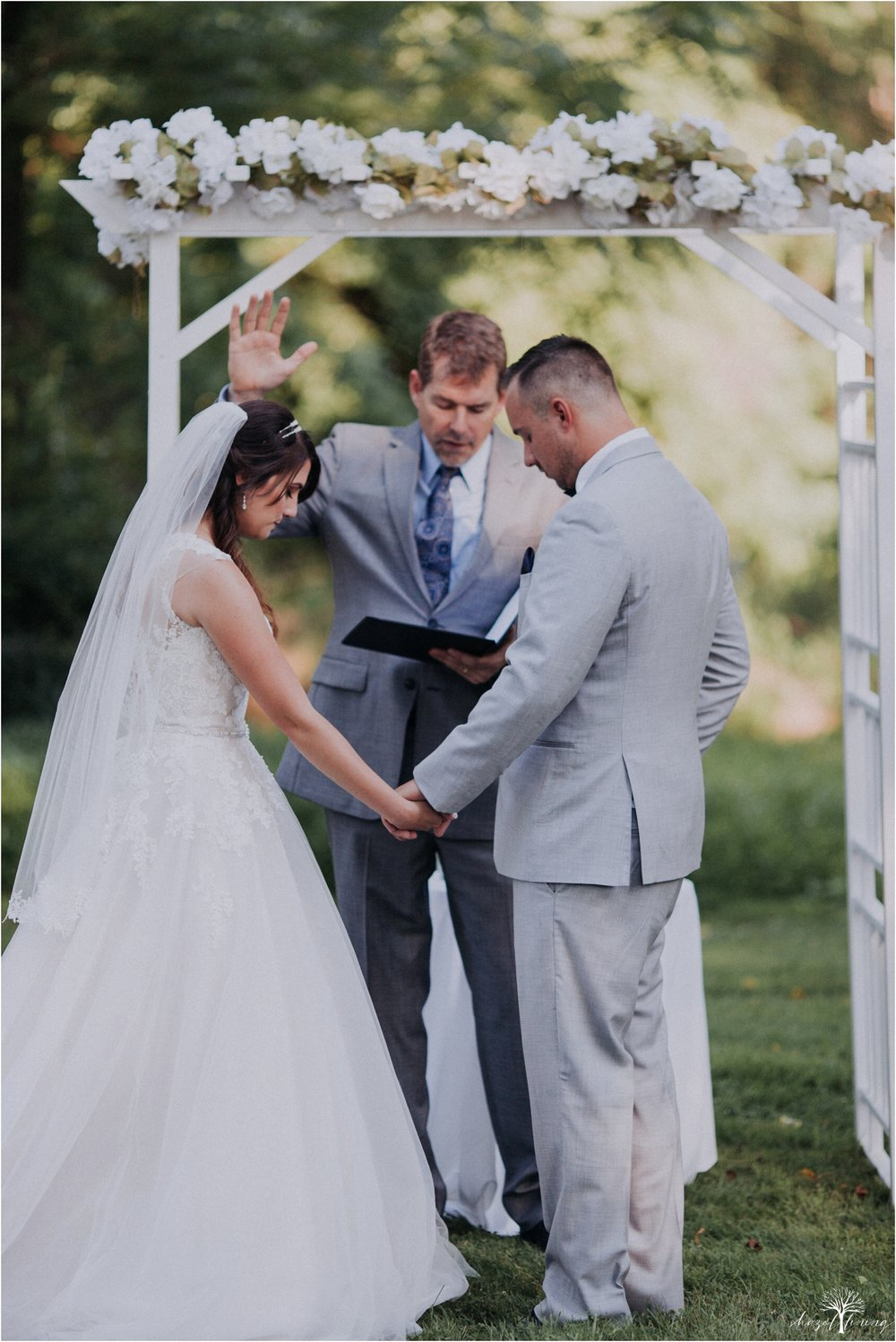 cassie-depinto-tyler-bodder-playwicki-farm-buck-hotel-featserville-trevose-pennsylvania-summer-outdoor-wedding-hazel-lining-travel-wedding-elopement-photography_0220.jpg