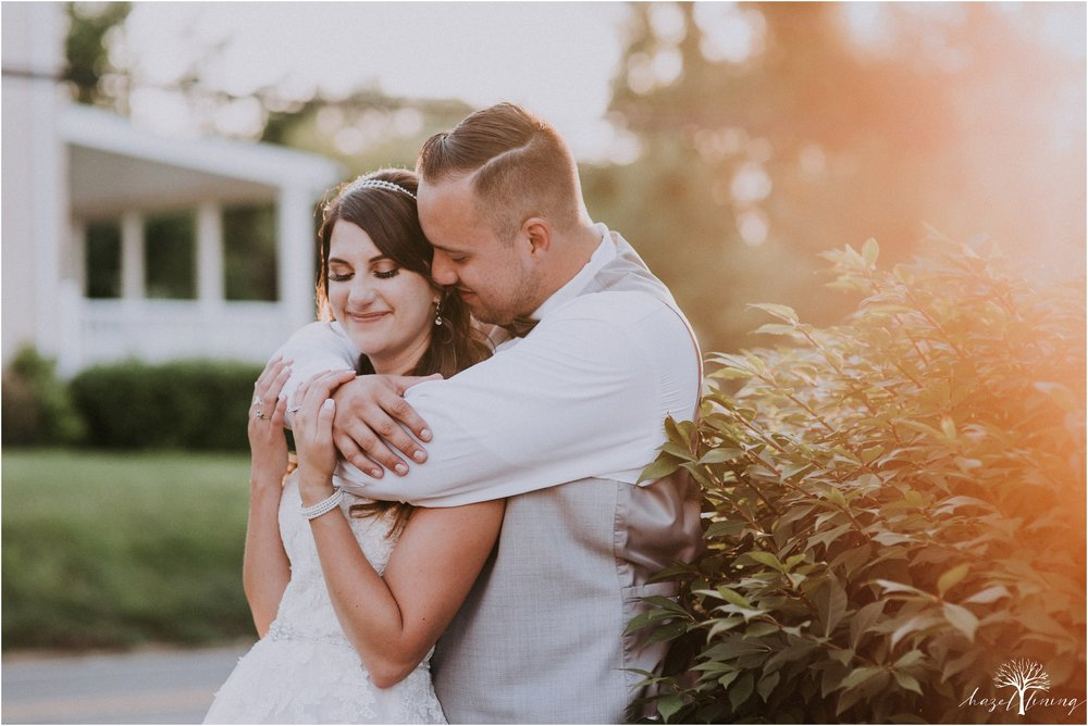 cassie-depinto-tyler-bodder-playwicki-farm-buck-hotel-featserville-trevose-pennsylvania-summer-outdoor-wedding-hazel-lining-travel-wedding-elopement-photography_0309.jpg