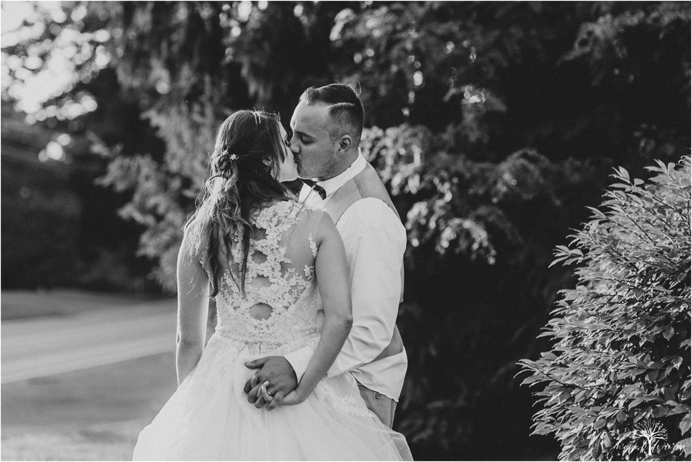 cassie-depinto-tyler-bodder-playwicki-farm-buck-hotel-featserville-trevose-pennsylvania-summer-outdoor-wedding-hazel-lining-travel-wedding-elopement-photography_0324.jpg