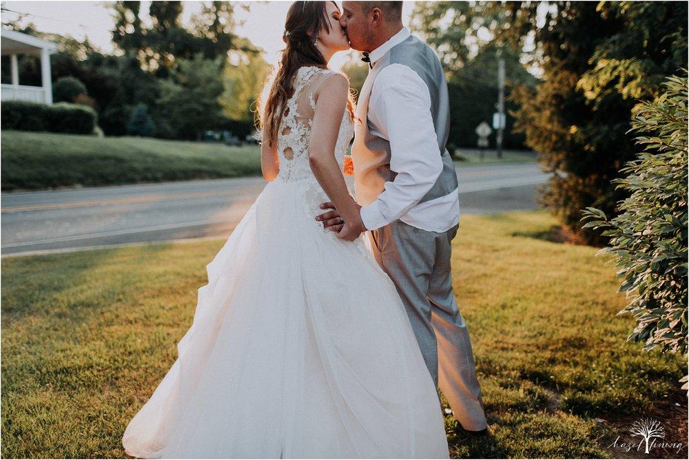 cassie-depinto-tyler-bodder-playwicki-farm-buck-hotel-featserville-trevose-pennsylvania-summer-outdoor-wedding-hazel-lining-travel-wedding-elopement-photography_0325.jpg