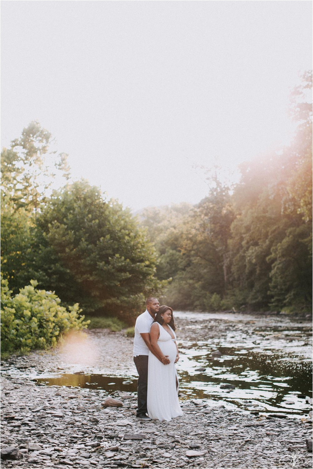 leyka-kristofer-chaparro-ralph-stover-state-park-summer-golden-hour-stream-maternity-session-hazel-lining-travel-wedding-elopement-photography_0023.jpg