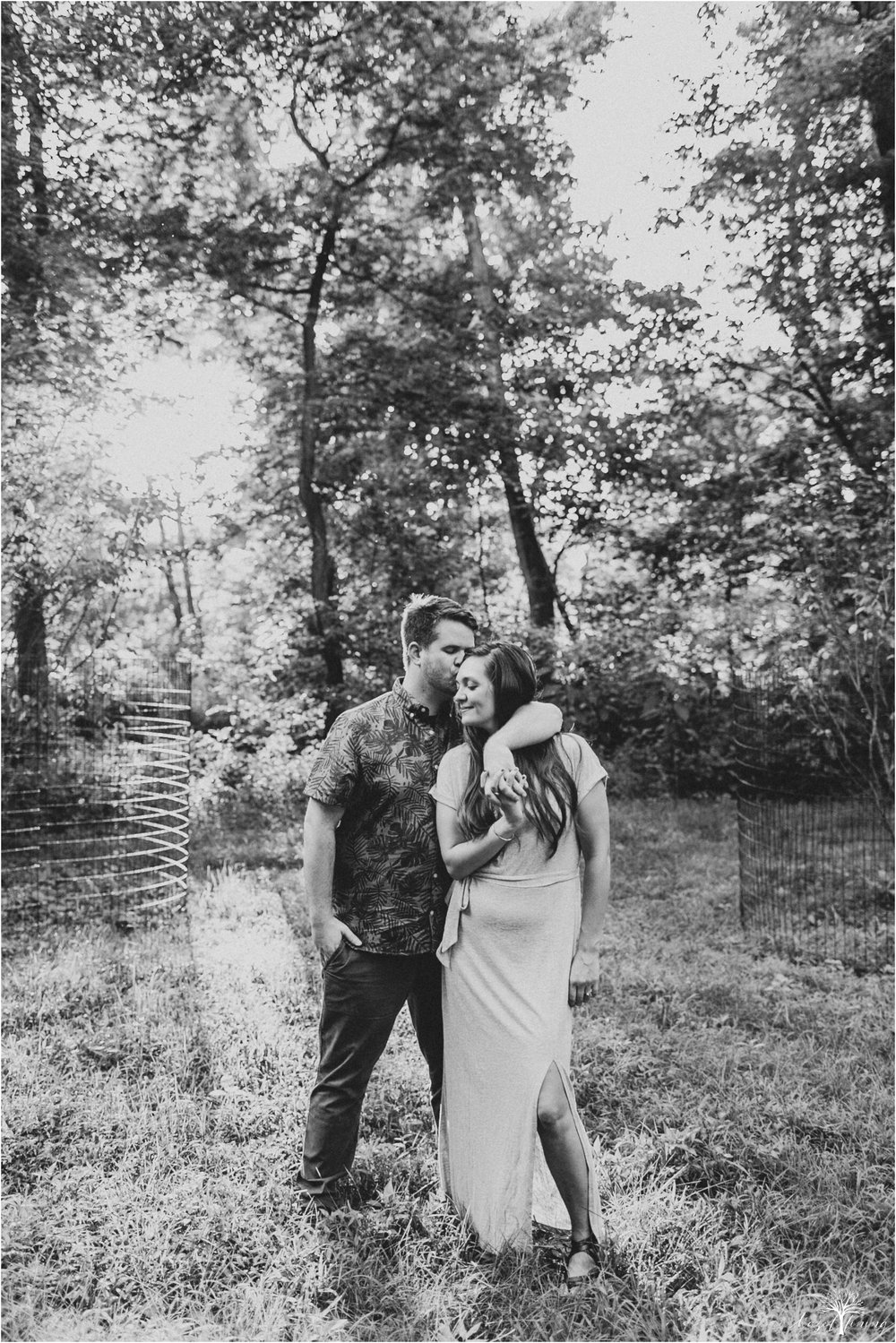 kelsey-delaney-kevin-jordan-tyler-state-park-newtown-pennsylvania-golden-hour-sunset-engagement-session-hazel-lining-travel-wedding-elopement-photography_0080.jpg