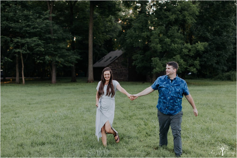 kelsey-delaney-kevin-jordan-tyler-state-park-newtown-pennsylvania-golden-hour-sunset-engagement-session-hazel-lining-travel-wedding-elopement-photography_0104.jpg