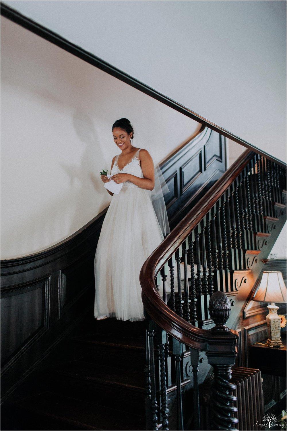 mariah-kreyling-samuel-sherratt-sherrattwiththeworld-peirce-farm-at-witch-hill-boston-massachusetts-wedding-photography-hazel-lining-travel-wedding-elopement-photography_0016.jpg