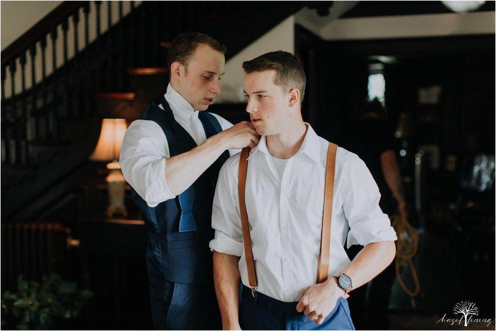 mariah-kreyling-samuel-sherratt-sherrattwiththeworld-peirce-farm-at-witch-hill-boston-massachusetts-wedding-photography-hazel-lining-travel-wedding-elopement-photography_0019.jpg