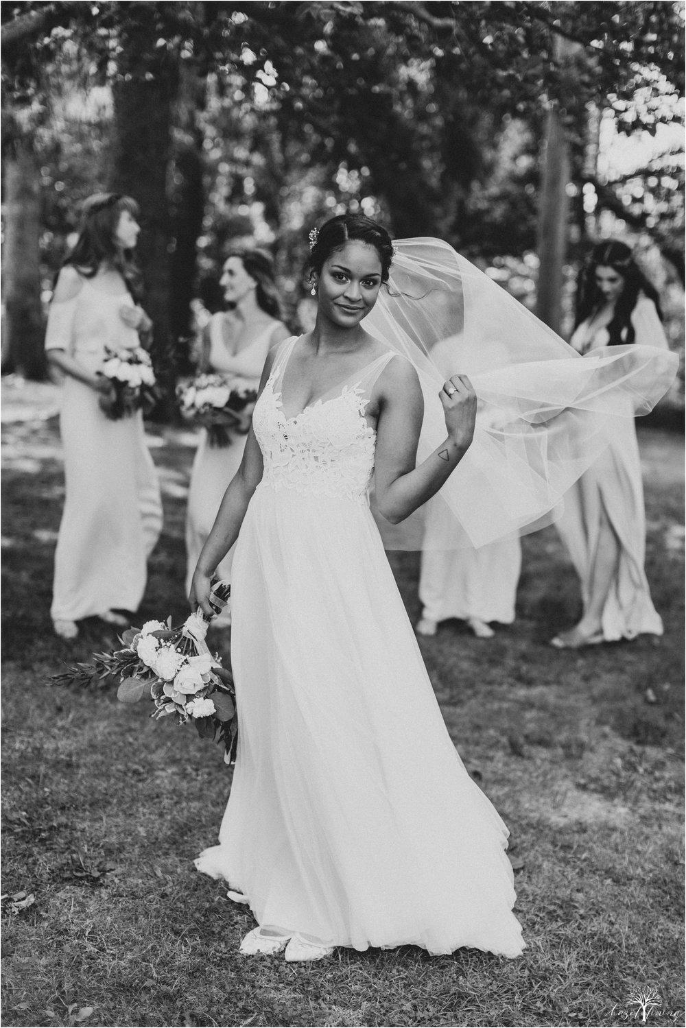 mariah-kreyling-samuel-sherratt-sherrattwiththeworld-peirce-farm-at-witch-hill-boston-massachusetts-wedding-photography-hazel-lining-travel-wedding-elopement-photography_0037.jpg
