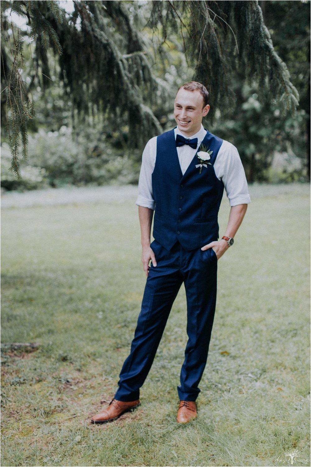 mariah-kreyling-samuel-sherratt-sherrattwiththeworld-peirce-farm-at-witch-hill-boston-massachusetts-wedding-photography-hazel-lining-travel-wedding-elopement-photography_0047.jpg