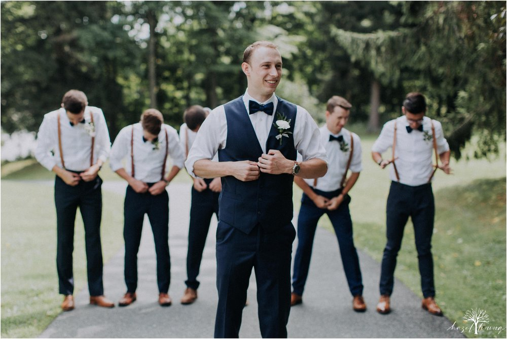 mariah-kreyling-samuel-sherratt-sherrattwiththeworld-peirce-farm-at-witch-hill-boston-massachusetts-wedding-photography-hazel-lining-travel-wedding-elopement-photography_0060.jpg