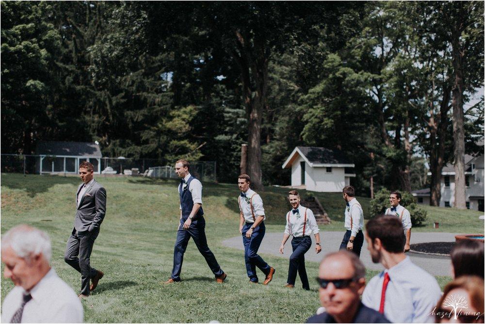 mariah-kreyling-samuel-sherratt-sherrattwiththeworld-peirce-farm-at-witch-hill-boston-massachusetts-wedding-photography-hazel-lining-travel-wedding-elopement-photography_0073.jpg