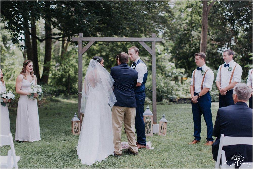 mariah-kreyling-samuel-sherratt-sherrattwiththeworld-peirce-farm-at-witch-hill-boston-massachusetts-wedding-photography-hazel-lining-travel-wedding-elopement-photography_0081.jpg