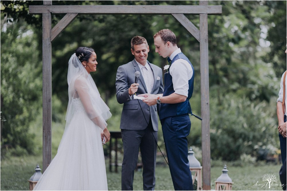 mariah-kreyling-samuel-sherratt-sherrattwiththeworld-peirce-farm-at-witch-hill-boston-massachusetts-wedding-photography-hazel-lining-travel-wedding-elopement-photography_0083.jpg