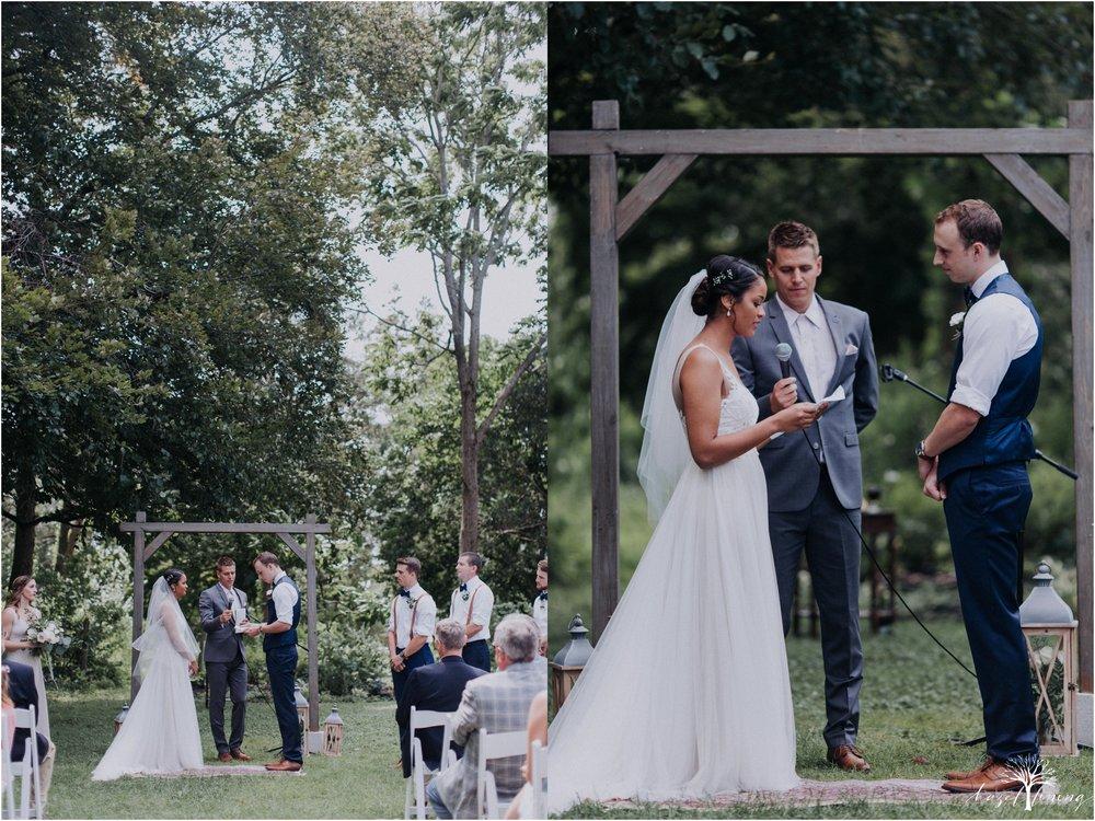 mariah-kreyling-samuel-sherratt-sherrattwiththeworld-peirce-farm-at-witch-hill-boston-massachusetts-wedding-photography-hazel-lining-travel-wedding-elopement-photography_0084.jpg