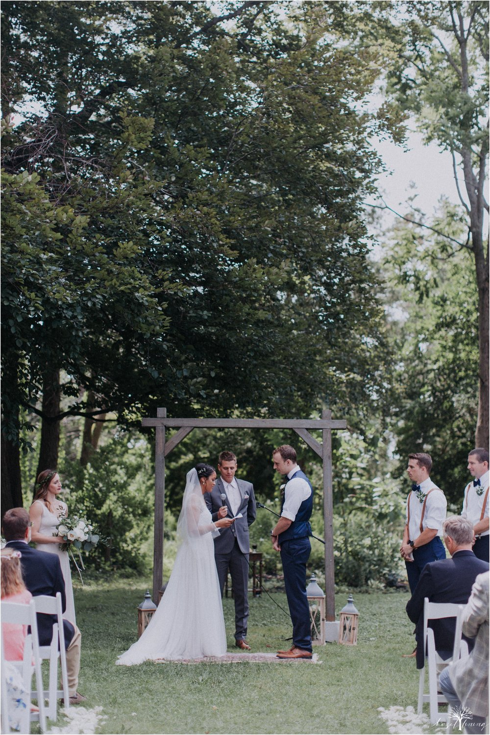 mariah-kreyling-samuel-sherratt-sherrattwiththeworld-peirce-farm-at-witch-hill-boston-massachusetts-wedding-photography-hazel-lining-travel-wedding-elopement-photography_0085.jpg
