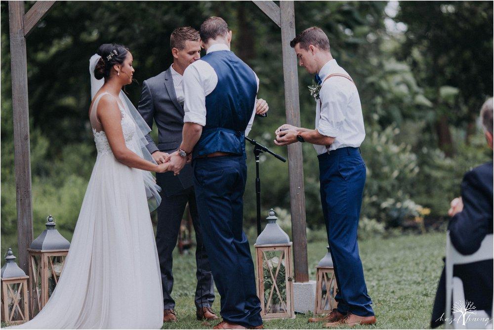 mariah-kreyling-samuel-sherratt-sherrattwiththeworld-peirce-farm-at-witch-hill-boston-massachusetts-wedding-photography-hazel-lining-travel-wedding-elopement-photography_0087.jpg