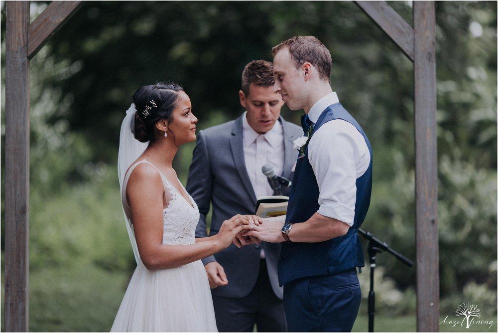 mariah-kreyling-samuel-sherratt-sherrattwiththeworld-peirce-farm-at-witch-hill-boston-massachusetts-wedding-photography-hazel-lining-travel-wedding-elopement-photography_0090.jpg