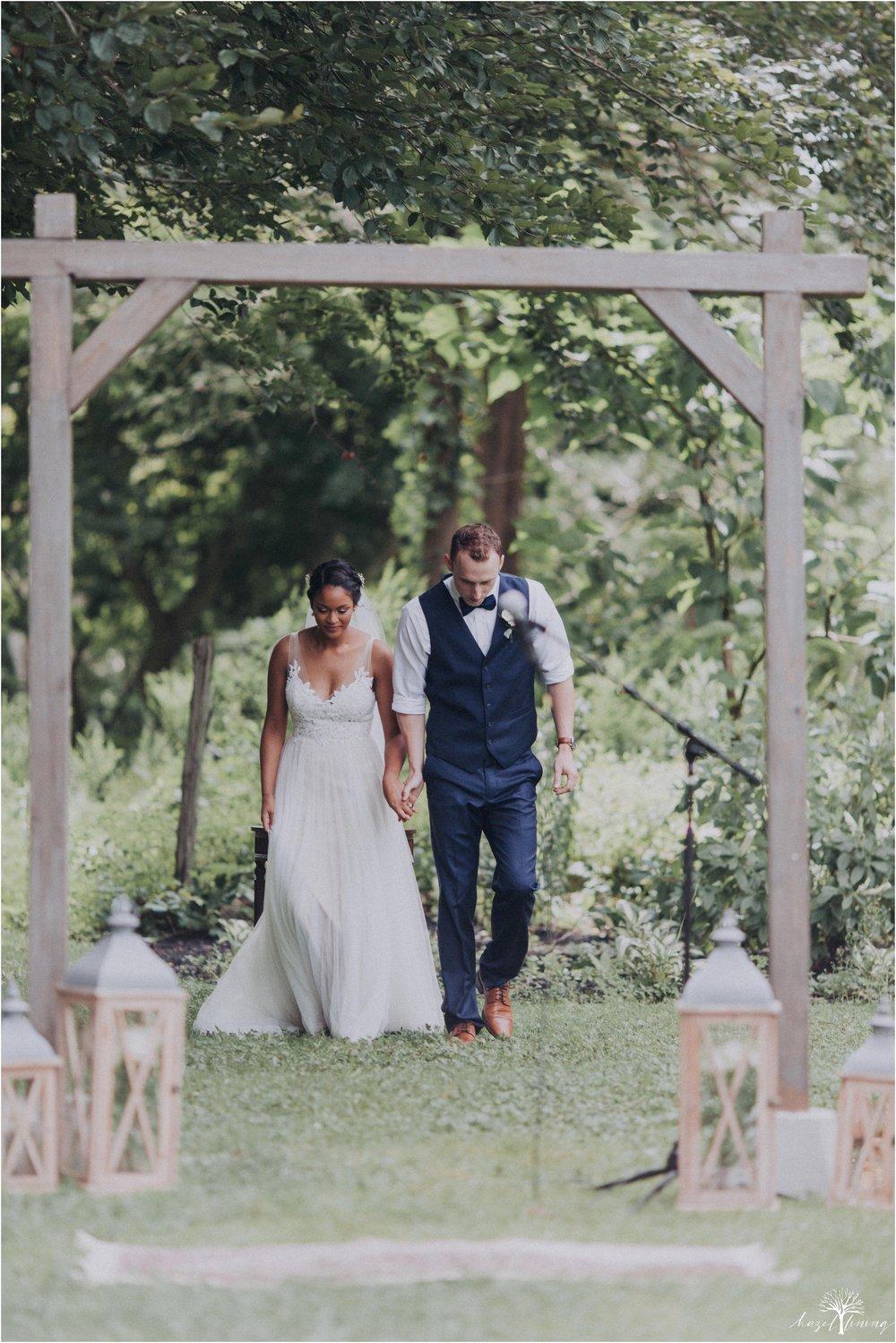 mariah-kreyling-samuel-sherratt-sherrattwiththeworld-peirce-farm-at-witch-hill-boston-massachusetts-wedding-photography-hazel-lining-travel-wedding-elopement-photography_0096.jpg