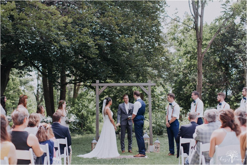 mariah-kreyling-samuel-sherratt-sherrattwiththeworld-peirce-farm-at-witch-hill-boston-massachusetts-wedding-photography-hazel-lining-travel-wedding-elopement-photography_0097.jpg